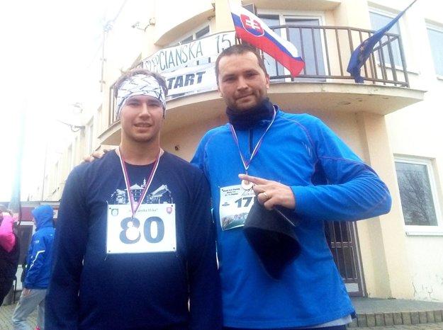 Vľavo víťaz Matúš Verbovský, vpravo autor článku Martin Kilian.