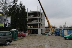 Novú polikliniku na Zarevúcej chcú otvárať na budúci rok.