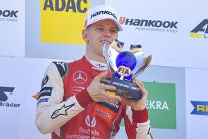 Mick Schumacher sa stal celkovým šampiónom formuly 3.