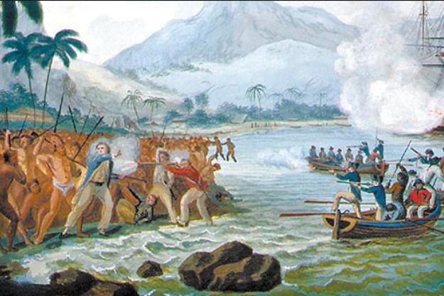 Smrť Jamesa Cooka. Reprodukcia originálneho obrazu Clevelyho vystaveného v Museum of New Zealand, ktorý bol bratom jedného zčlenov posádky Cookovej lode. Obraz sa považuje za podstatne realistickejšie zobrazenie incidentu než iné dobové obrazy, ktoré Cookovu smrť idealizovali.