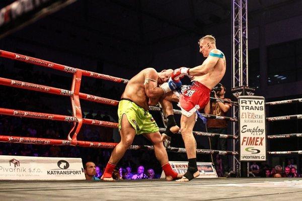 Martin Pacas (vpravo) patrí medzi najlepších kickboxeristov.