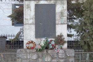 Pamätník obetiam vojny vo Veľkej Ide.
