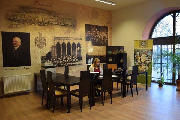 Kancelária OOCR v budove bývalej Radnice v Lučenci.