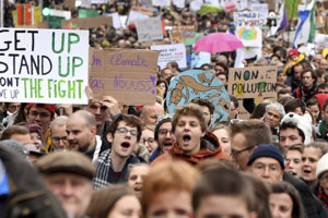Desaťtisíce ľudí v Bruseli podporili boj proti klimatickej zmene.