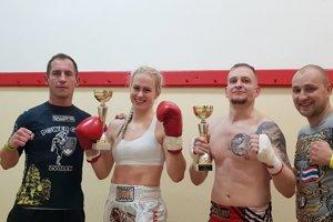 Power Gym. Zľava: tréner Šmálik, Švecová a Krupička
