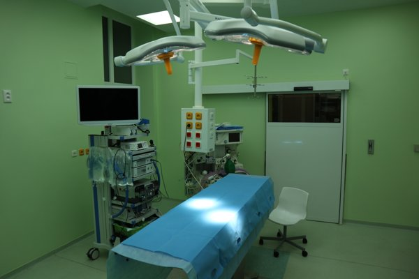 Operačná sála na ortopédii prešla obnovou.