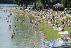 Dnes je už pláž v Liptovskom Trnovci prázdna. Kúpať sa môžu otužilci len na vlastné riziko.