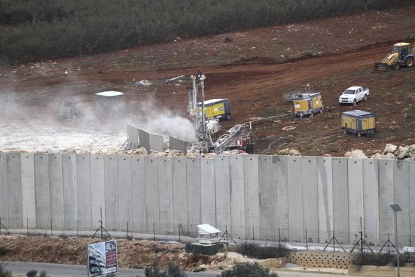 """Izraelská armáda spustila v utorok ráno časovo neohraničenú operáciu Severný štít zameranú na """"neutralizáciu"""" cezhraničných tunelov vybudovaných Hizballáhom."""