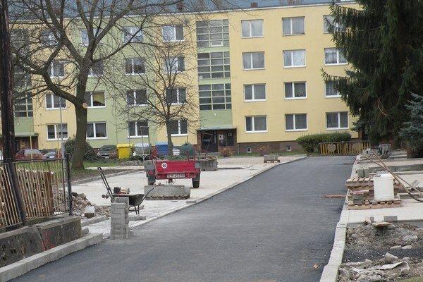na Chalupkovej ulici pribudne  na nej štrnásť parkovacích miest