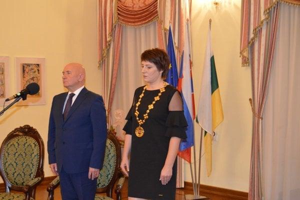 Odchádzajúceho dlhoročného primátora Sniny Štefana Milovčíka vystrieda Daniela Galandová.