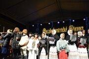 Akciu Slovensko spieva koledy otvorila v Banskej Bystrici zástupkyňa divíznej šéfredaktorky pre Banskobystrický kraj Marcela Ballová.