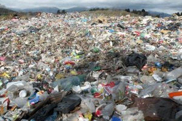 Pôvod mikroplastov v pitnej vode je zatiaľ nejasný.