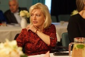 Niekdajšia starostka Jenčová kandidovala aj v posledných voľbách, ale opäť prehrala s Kovačevičovou. Uspela iba ako miestna poslankyňa.