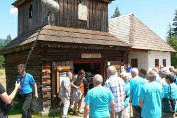 Filmári nakrúcali aj v Pribyline počas stretnutia rodákov zo zatopených obcí.