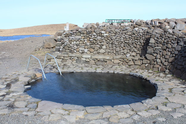 Pre Island sú typické horúce pramene. Tento sa volá Grettirslaug a nachádza sa kúsok od Akureyri.