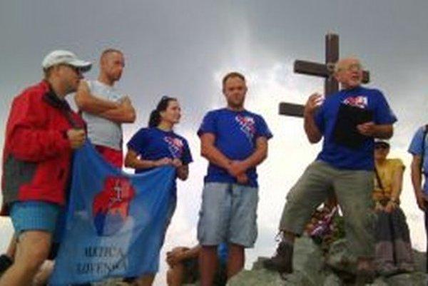 Matica slovenská, ktorej členovia tiež vystúpili na vrchol Kriváň, bola spoluorganizátorom výstupu.