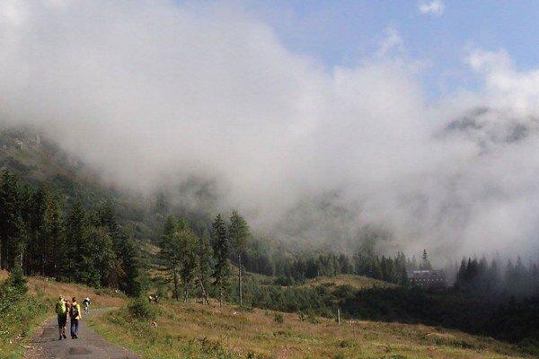 Náhla zmena počasia skomplikovala podmienky na vysokohorskú turistiku.