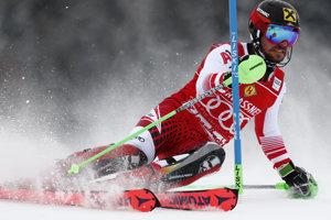 Marcel Hirscher počas jazdy 1. kola slalomu v Saalbach-Hinterglemme.