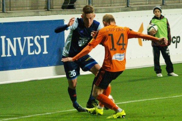 Mužstvo spod Čebraťa pod taktovkou nového kormidelníka Ladislava Pecka zo štyroch majstrákov vykopalo deväť bodov.