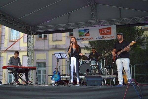 Barbora Hazuchová so skupinou účinkovali už na viacerých kultúrnych a spoločenských podujatiach v Liptovskom Mikuláši.