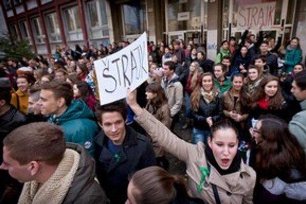 Niektoré školy budú preš štrajk zatvorené iba dnes, na iných sa pripravili aj na päť dní.