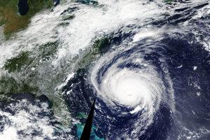Predtým hurikán Florence než dosiahol pevninu, držal sa dva týždne nad Atlantickým oceánom. Sledovaním hurikánu vedeli vedci určiť, koľko ľudí zasiahnu silné dažde a vetry.