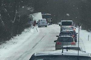 Po nehode na ceste medzi Krivanmi a Lipanmi.