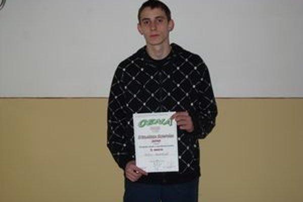 Milan Martinkovič zo Strednej odbornej školy strojníckej získal na strojárskej olympiáde 3. miesto.