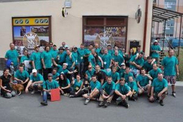 Účastníci 22. ročníka Pivárskej desiatky. Aj tento rok malo podujatie charitatívny rozmer.