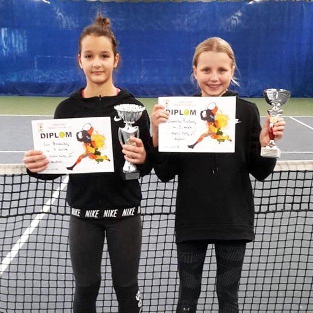 Lucia Hradecká (vľavo) vyhrala dvojhru.