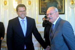 30. september 2011. Prezident Ivan Gašparovič počas prijatia podpredsedu Európskej komisie Maroša Šefčoviča v Prezidentskom paláci Témou rokovania bol euroval.