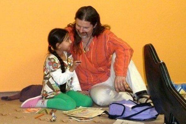 Janko Svetlan Majerčík nahral CD so svojou osemročnou dcérou.