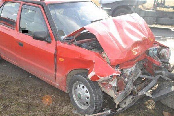 Príčiny dopravnej nehody zatiaľ nezistili.