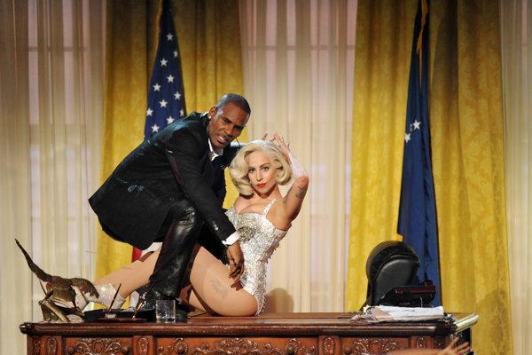 Lady Gaga a R. Kelly, kedysi kamaráti.