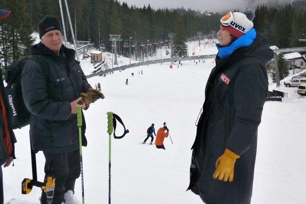 Na fotografii vľavo: Dominique Petit, technický poradca z Medzinárodnej lyžiarskej federácie FIS.