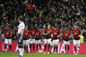 Hráči Manchestru United sa radujú po Rashfordovom góle.