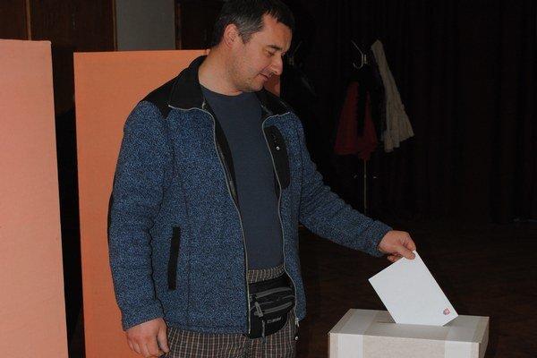 Aj v liptovskom regióne dnes voliči rozhodujú o budúcom prezidentovi.