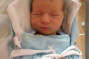 Benjamín Hanulík (2990 g a 50 cm) sa narodil 17. decembra Zuzane a Jozefovi  z Jablonového. Tešia sa aj súrodenci Jozef a Anna.