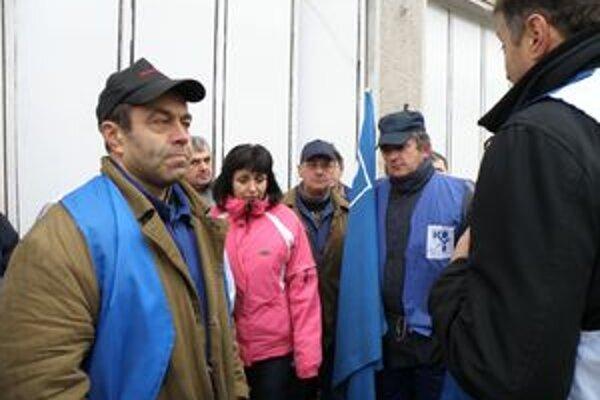 Protest zamestnancov pokračoval ďalším zhromaždením.