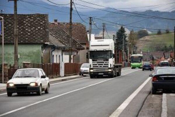 Likavčania sa obávajú, že na už teraz preťaženej ceste vznikne v súvislosti s výstavbou diaľnice neúnosná situácia.