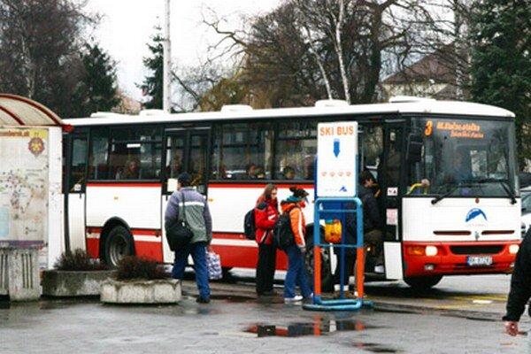 V mestských autobusoch sa budú zajtra, 30. mája,  deti do 15.rokov voziť zadarmo.