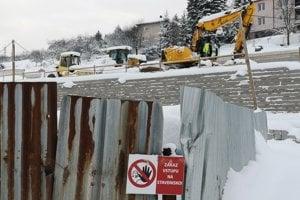 Diaľničiari tvrdia, že termín výstavby dodržia.