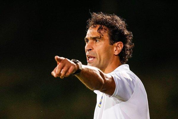 Peter Hlinka v súčasnosti pôsobí ako tréner piatoligového rakúskeho klubu First Vienna FC.