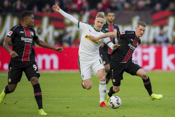 Momentka zo zápasu Leverkusen - Mönchengladbach.
