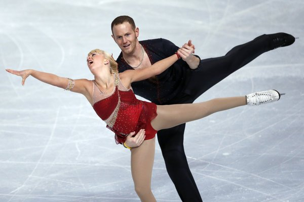 John Coughlin a Caydee Denneyová.