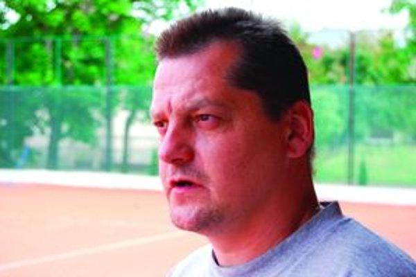 Rudolf Záruba. Mikulášsky hokej mal svoju pravú silu vtedy, keď bol založený na hráčoch, ktorí sa prepracovali na súpisku áčka z vlastných radov.