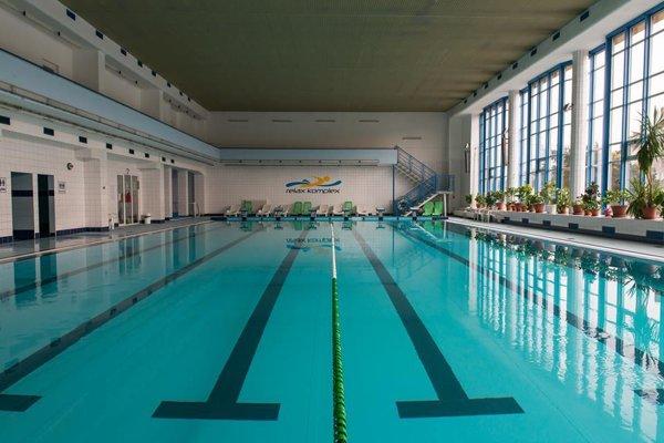 Bazén v Relax komplexe.