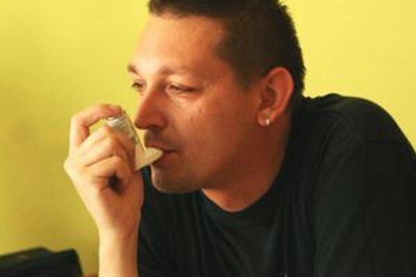 Astmatici a iní pacienti s pľúcnymi ochoreniami majú smolu. V celom Liptove nezostalo v nemocniciach jediné lôžko.