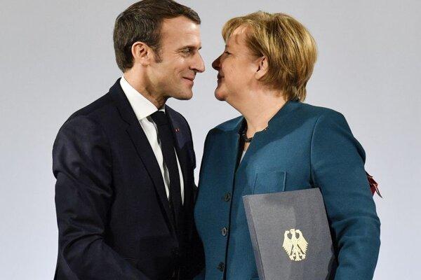 Nemecká kancelárka Angela Merkelová a francúzsky prezident Emmanuel Macron.