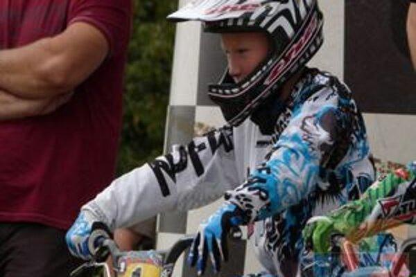 Mladý bikrosár je v medzinárodných súťažiach mimoriadne úspešný.